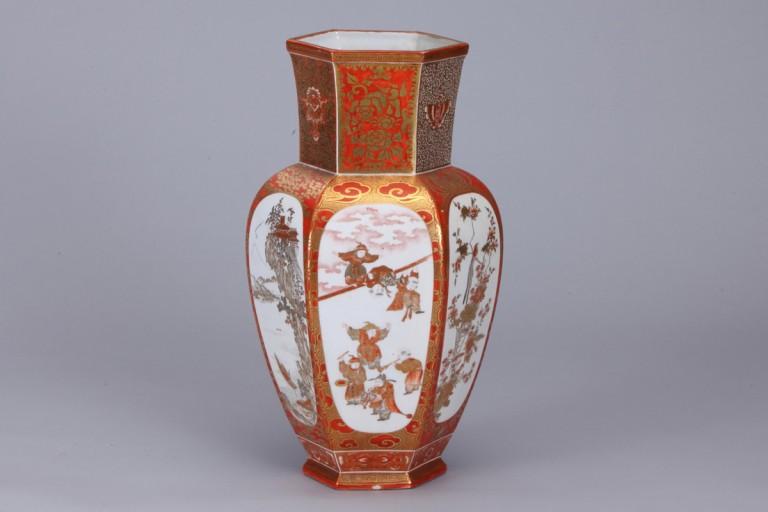 No.11  赤絵金彩割取図花瓶_01