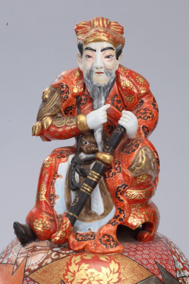 No.15 赤絵金彩鍾馗像大香炉_02